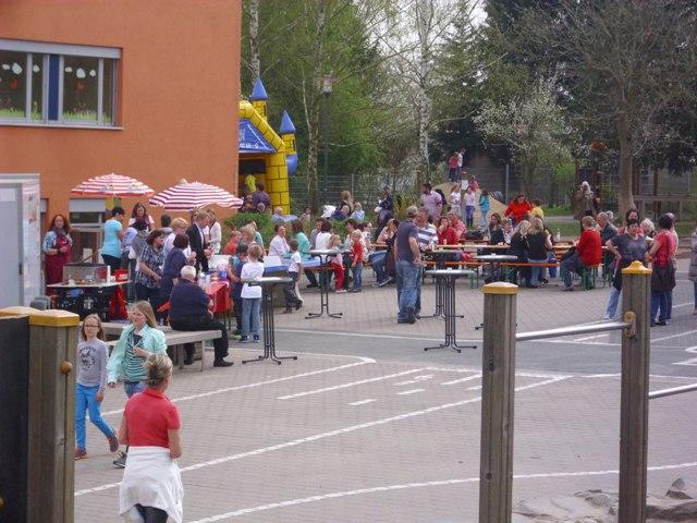 Schulhof >FLOhmarkt am 4.4.14